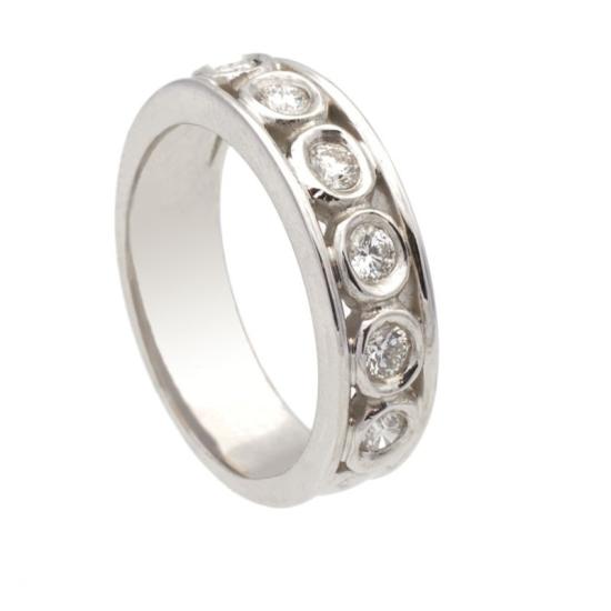 Sortija diamantes sobre oval - 1