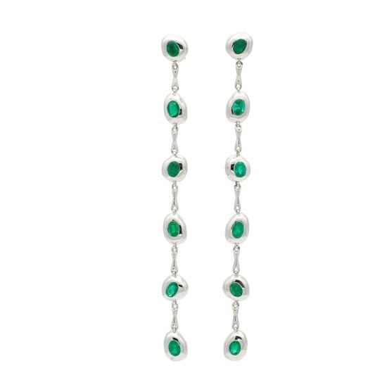 Pendientes largos de oro blanco y esmeraldas - 1022