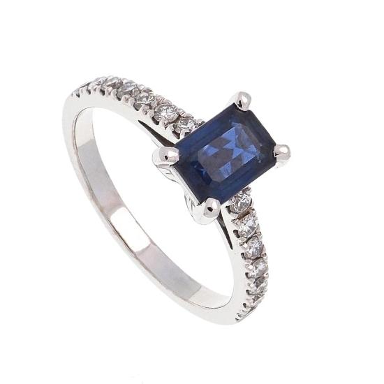 Sortija con zafiro central y diamantes - 1